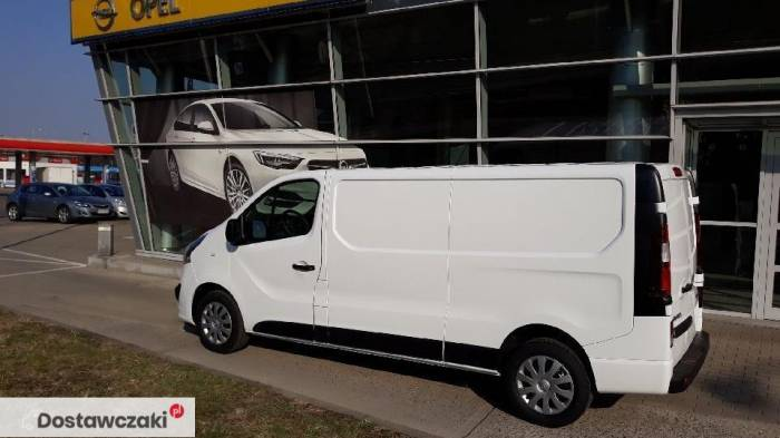 Opel Vivaro Edition Extra Long 125 KM 2