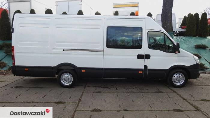 Iveco DAILY 35S17 FURGON BRYGADOWY 7 MIEJSC Tempomat 7