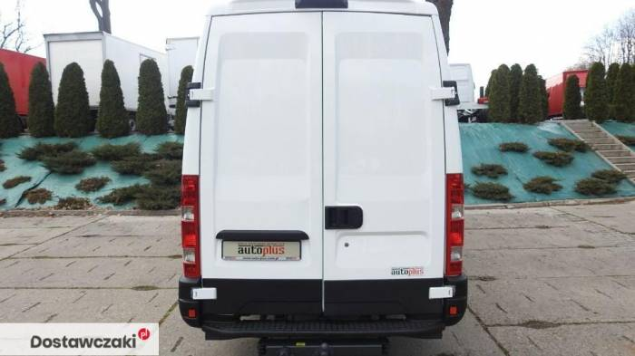 Iveco DAILY 35S17 FURGON BRYGADOWY 7 MIEJSC Tempomat 10