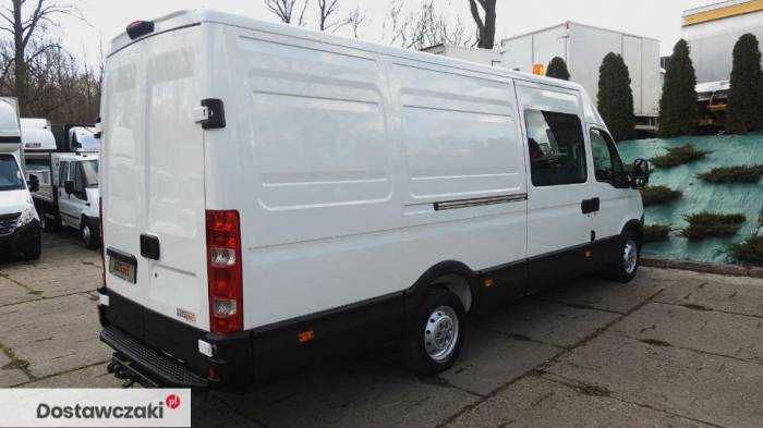 Iveco DAILY 35S17 FURGON BRYGADOWY 7 MIEJSC Tempomat 12